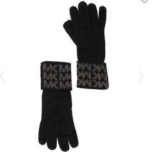 Michael Kors Logo Knit Gloves
